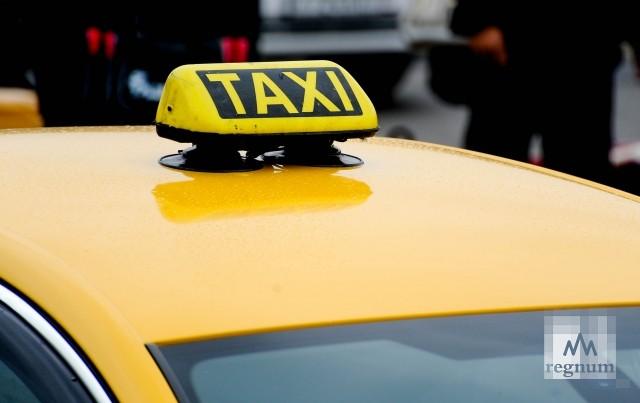 За жёлтый цвет: таксисты в Улан-Удэ вышли на акцию протеста