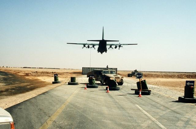 Транспортный самолет С-130 «Геркулес». Операции «Буря в пустыне»