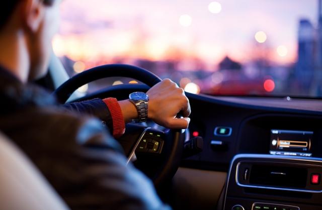Минтранс предлагает делить водителей на профессионалов и любителей