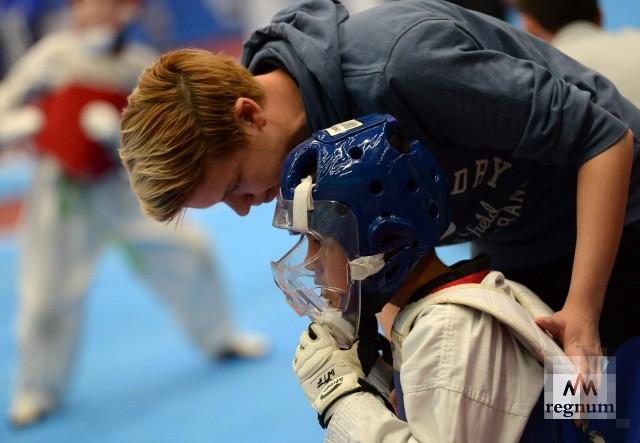 В программе соревнований встречи спортсменов 10-12 лет, 12-14 лет, 15-17 лет, 17 лет и старше
