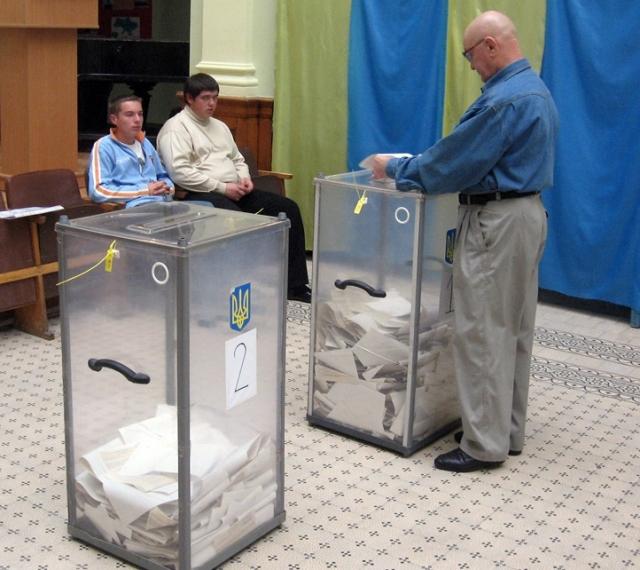 Украинский ЦИК обработал почти 40% протоколов на выборах президента