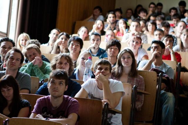 Миннауки готовит систему отслеживания трудоустройства выпускников вузов