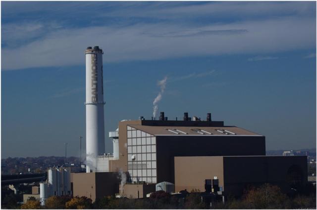 МСЗ Wheelabrator Baltimore в г. Балтимор штата Мэриленд, 10-й по размеру в США. Работает с 1985 года, планируется закрыть в 2021 году. На его долю приходится 50% парниковых газов и 36% всех выбросов в атмосферу промышленности Балтимора