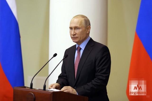 Путин призвал вовлекать непарламентские партии в работу заксобраний