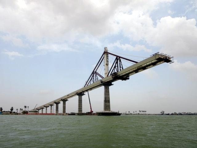 Железнодорожный мост в Басре