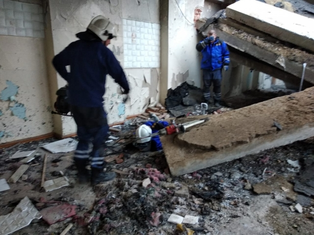 В Свердловской области бетонная плита рухнула на подростка