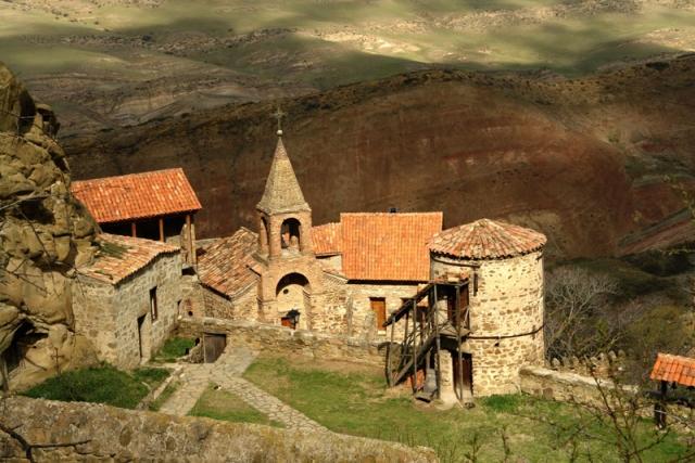 Близ границы не строй светлицы: Грузия и Азербайджан не поделили монастырь