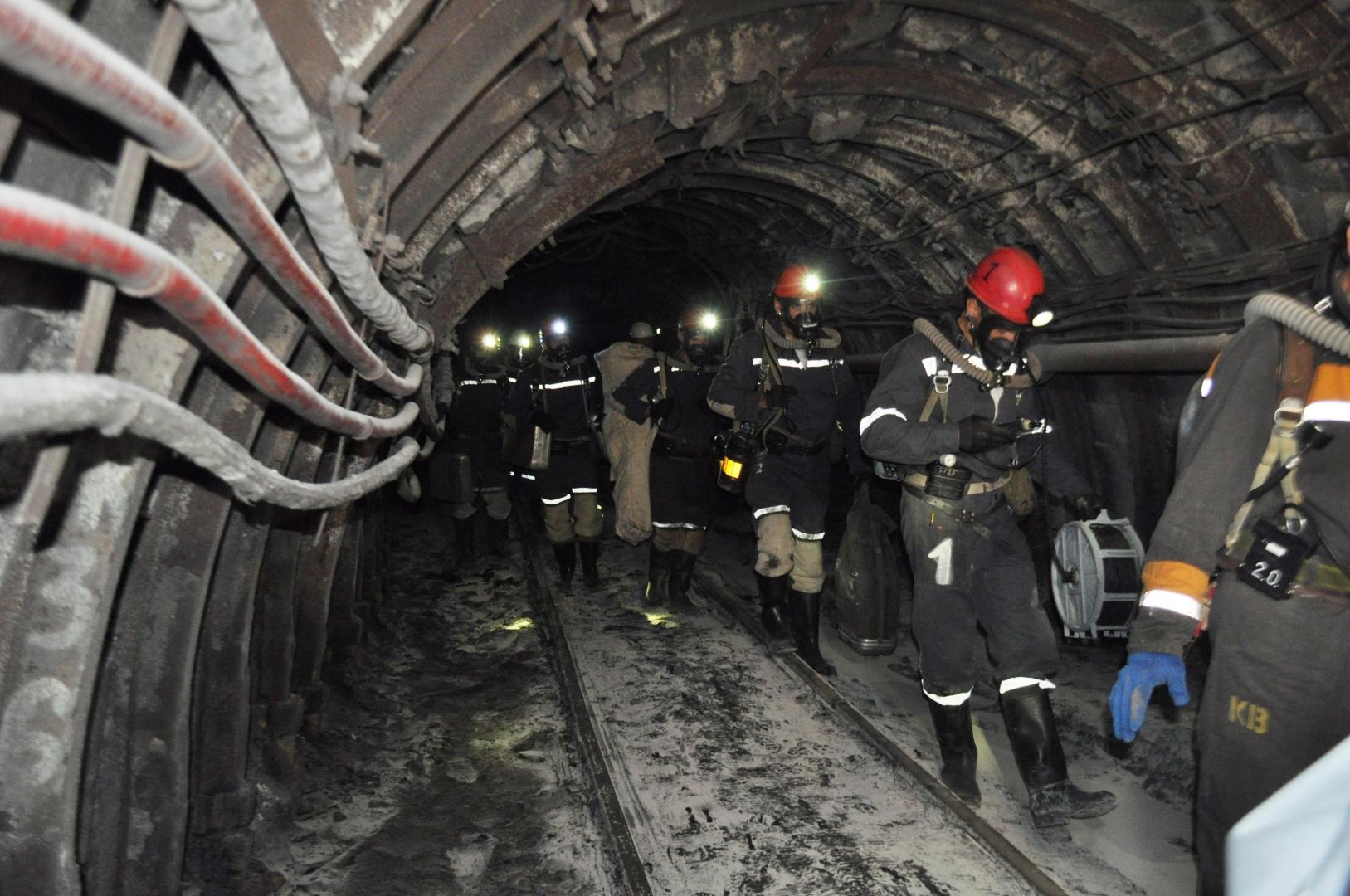 созданием смотреть фото спасателей в шахте это какие