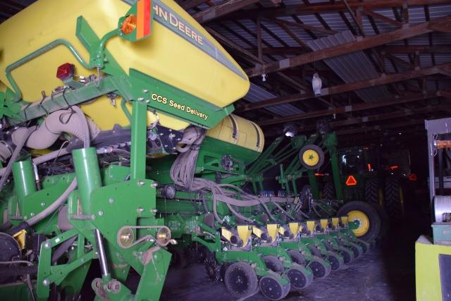 Сеялка для кукурузы и сои на 150 га в сутки