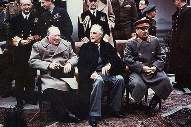 Уинстон Черчилль, Франклин Делано Рузвельт и Иосиф Виссарионович Сталин. Ялта, февраль 1945 г