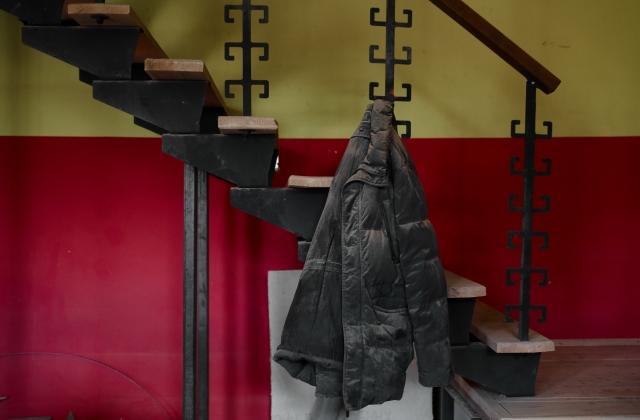 Рабочая куртка одного из мастеров