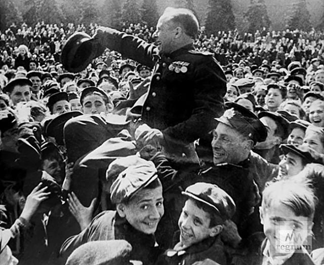 Москва, Красная площадь, 9 мая 1945 года