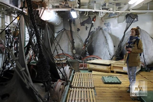 В трюмах ледокола «Капитан Сорокин»