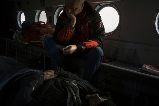 Пациента с инсультом везут в Архангельск