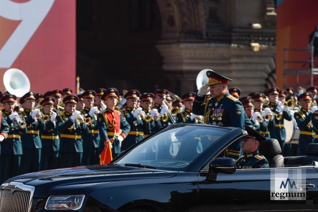 Шойгу провёл репетицию Парада Победы на кабриолете Aurus – фоторепортаж