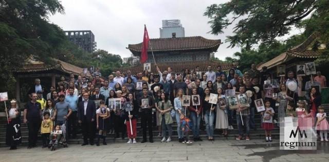 «Бессмертный полк» прошёл по китайскому городу Гуанчжоу