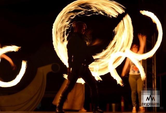 Огненная феерия: в Воронеже прошёл девятый фестиваль «Огни Победы»