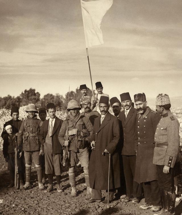 Османские войска после сдачи Иерусалима . 1917