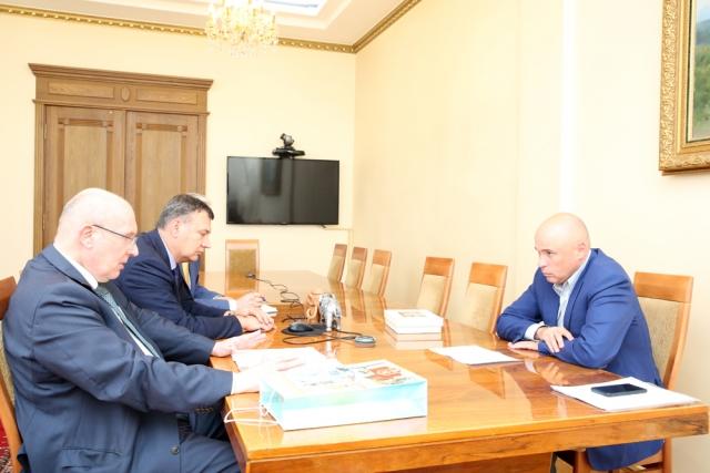 Врио липецкого губернатора пообещал снизить дефицит медицинских кадров