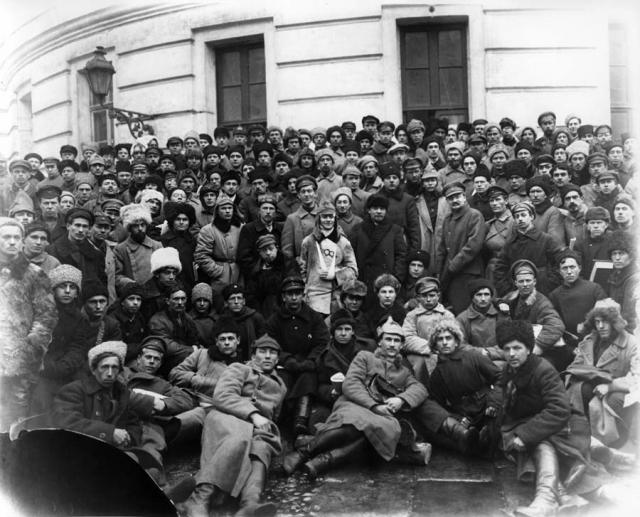 В.И. Ленин с делегатами партийного съезда