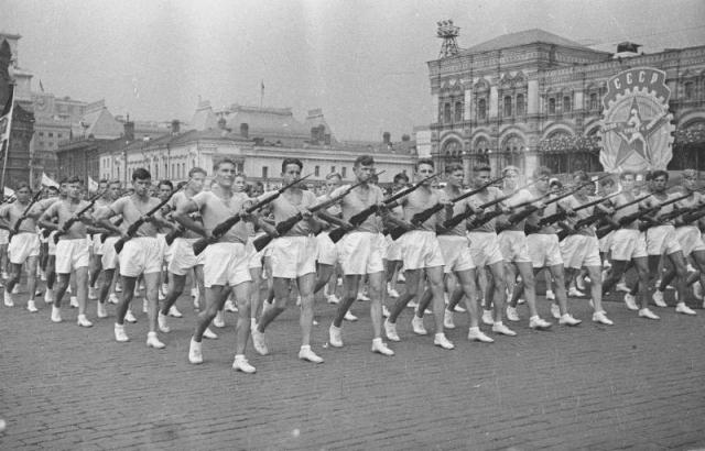 Парад физкультурников. 1930-е