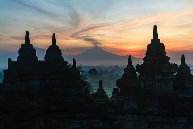 У берегов индонезийского острова Ява произошло землетрясение