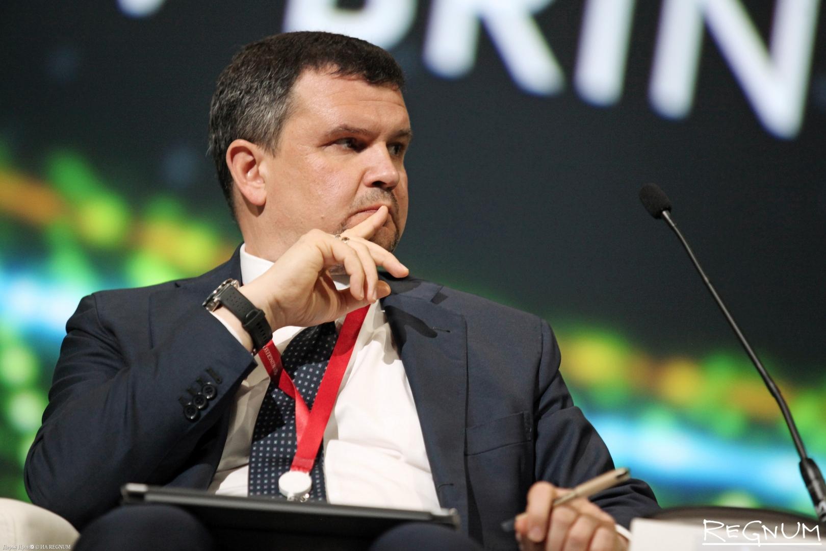 Максим Акимов на ПМЭФ 2018.