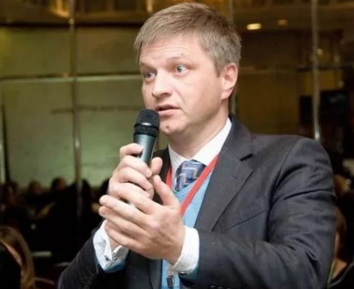 Алексей Безбородов