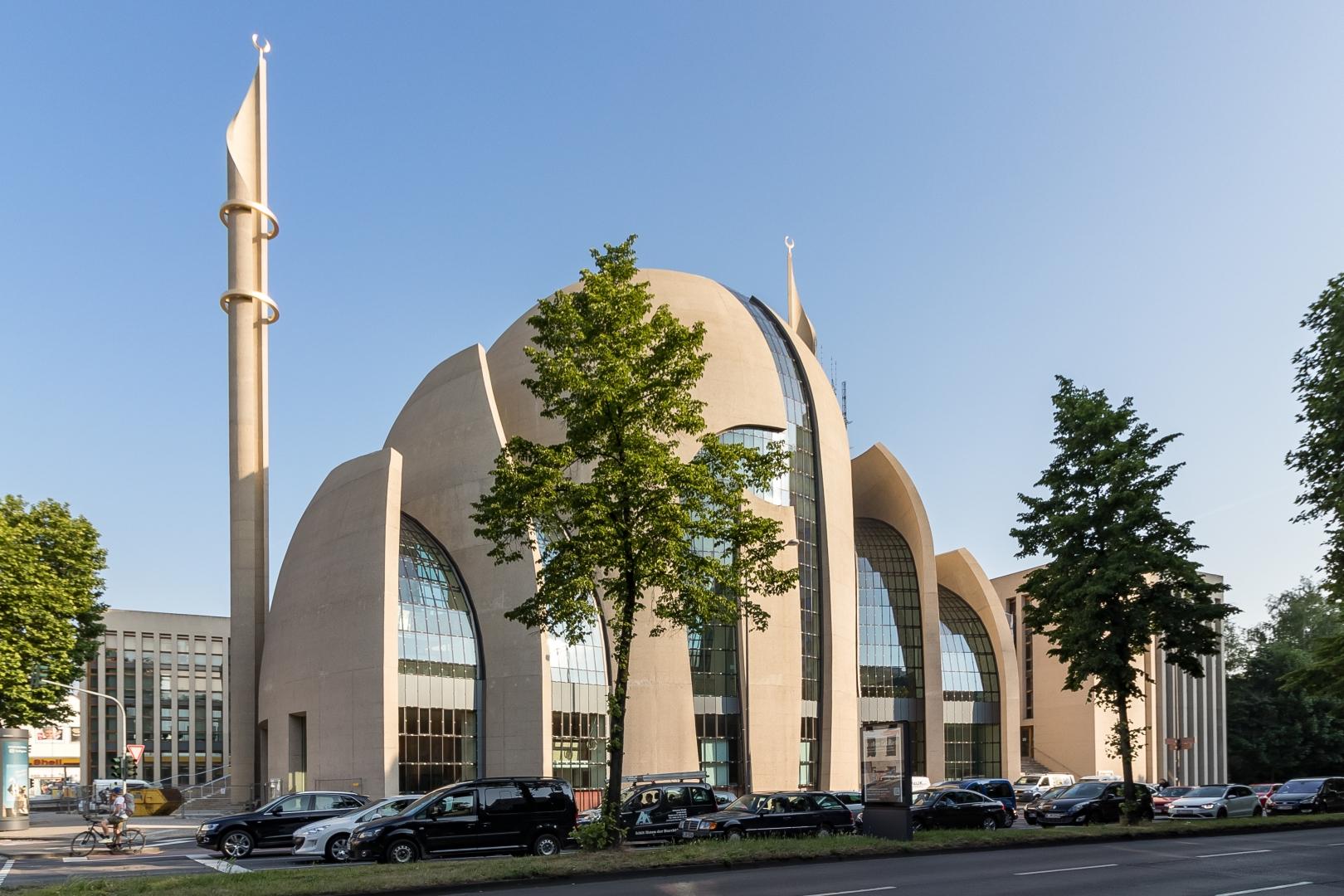 Центральная мечеть DiTiB. Кельн