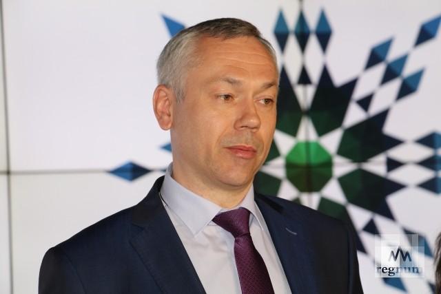 Доход новосибирского губернатора удвоился, у супруги — вырос в 53 раза