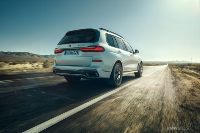 BMW представила две новые модели кроссоверов