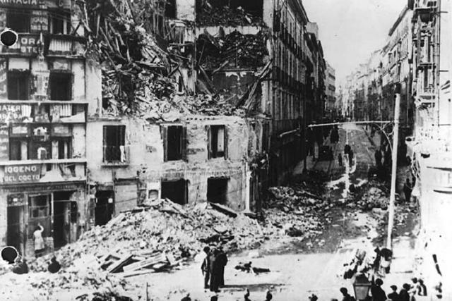 Последствия бомбардировки Мадрида. Декабрь 1936 года
