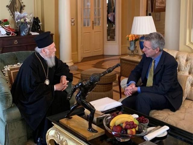 Почему патриарх Варфоломей отчитывается перед послом США