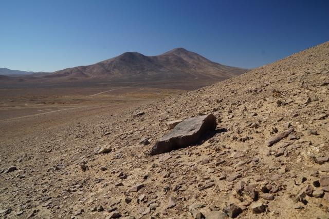 В пустыне Атакама в Чили найдены самые древние метеориты на Земле — ученые