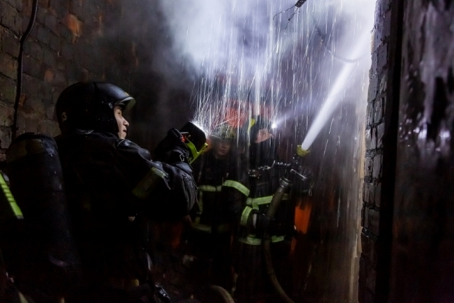 Пожар в жилом доме произошел на юге Москвы