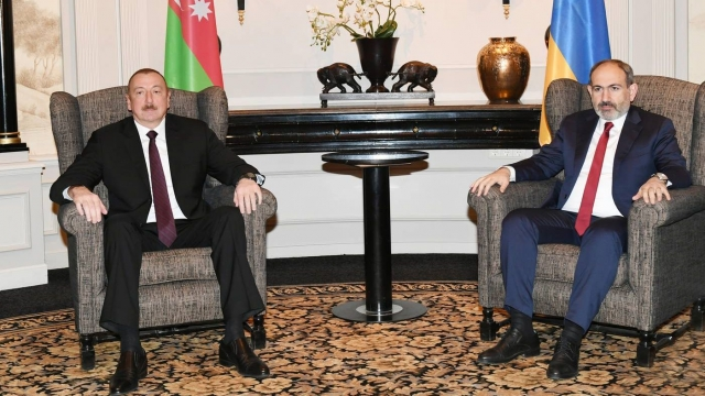 Ильхам Алиев и Никол Пашинян