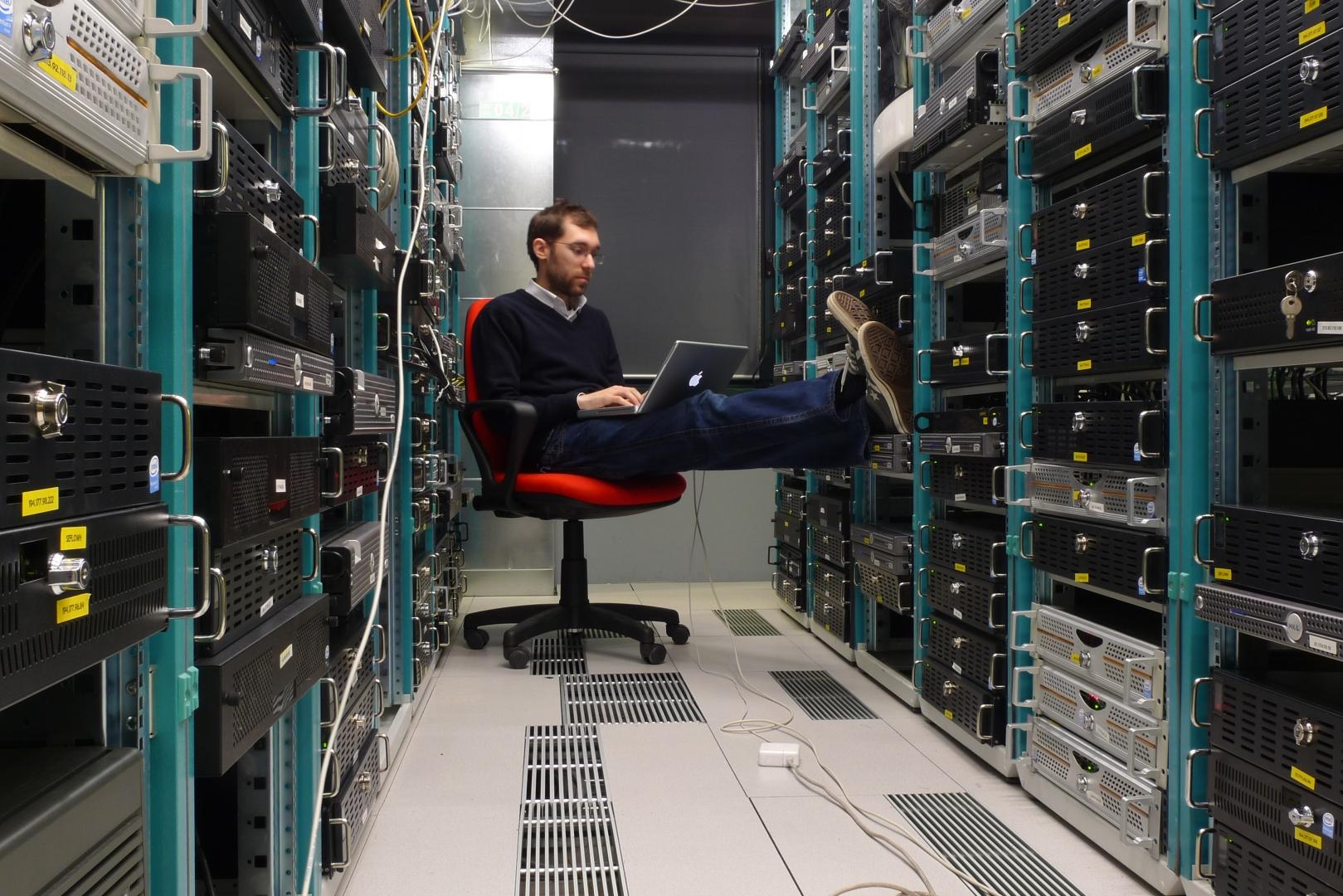 Смешные картинки про информационные технологии, клаб открытка днем