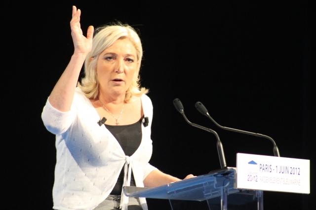 Марин Ле Пен призвала к роспуску Национального собрания Франции