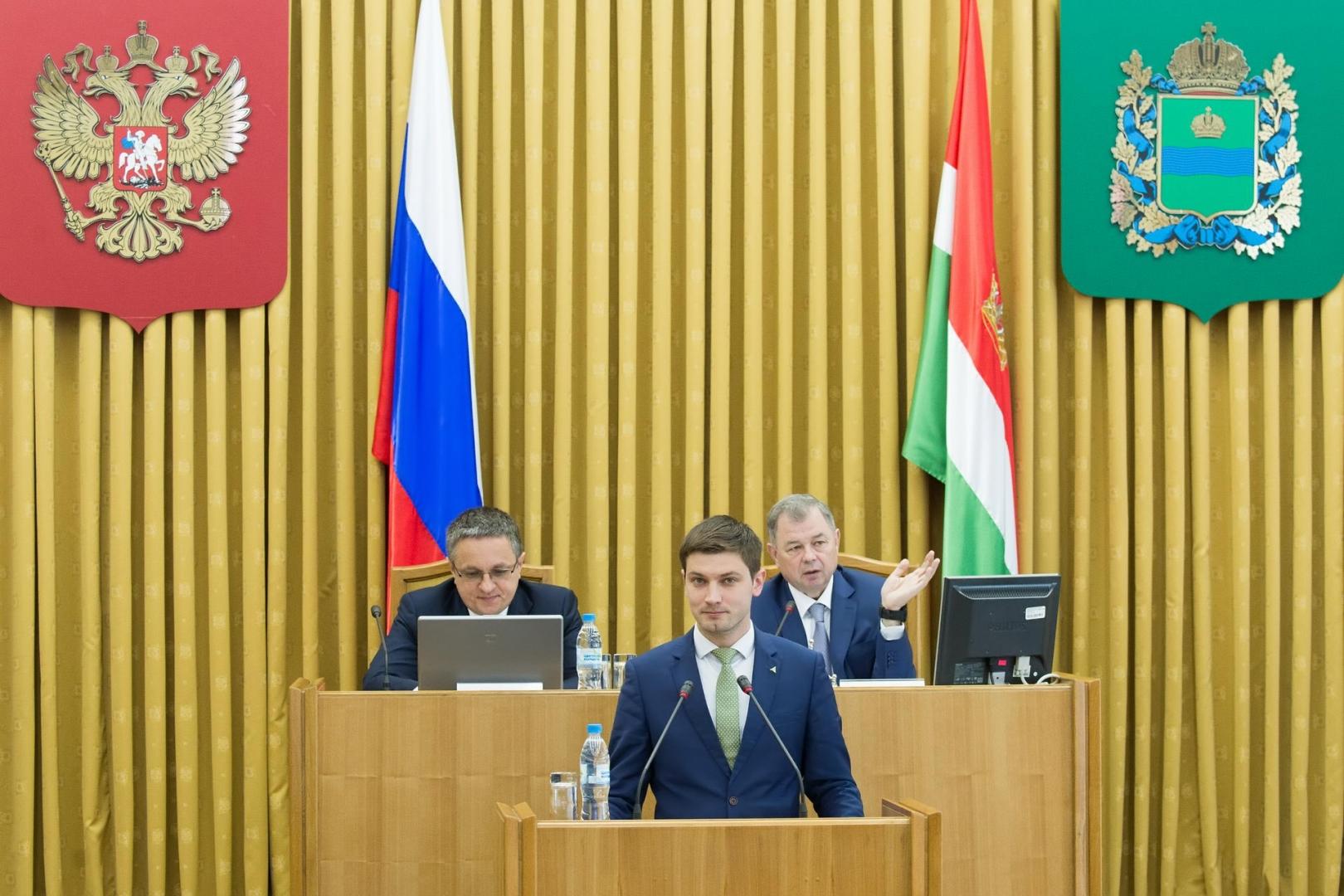 На заседании регионального кабинета министров выступил генеральный директор Агентства развития бизнеса Калужской области Стефан Перевалов.