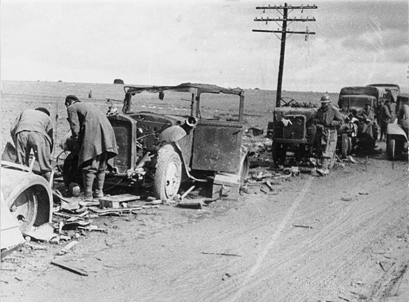 Разбитая итальянская техника под Гвадалахарой. 1937/pegnum