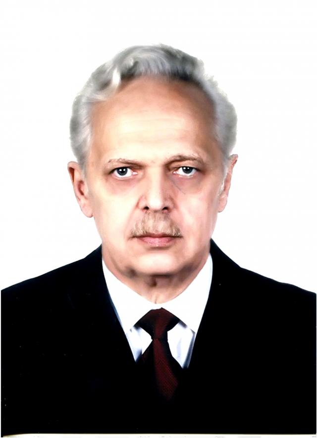 Эдуард Днепров ≈ министр образования РСФСР и первый министр постсоветской России