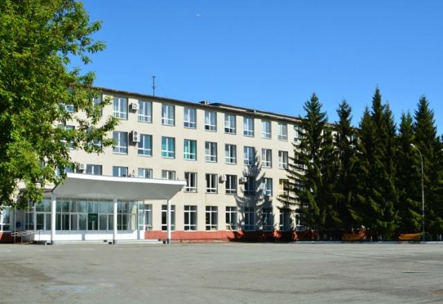 Главный корпус Курганской сельхозакадемии