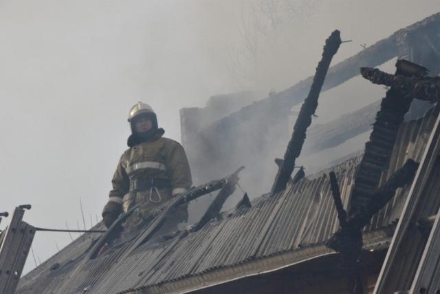 Семья из трёх человек погибла при пожаре в Свердловской области
