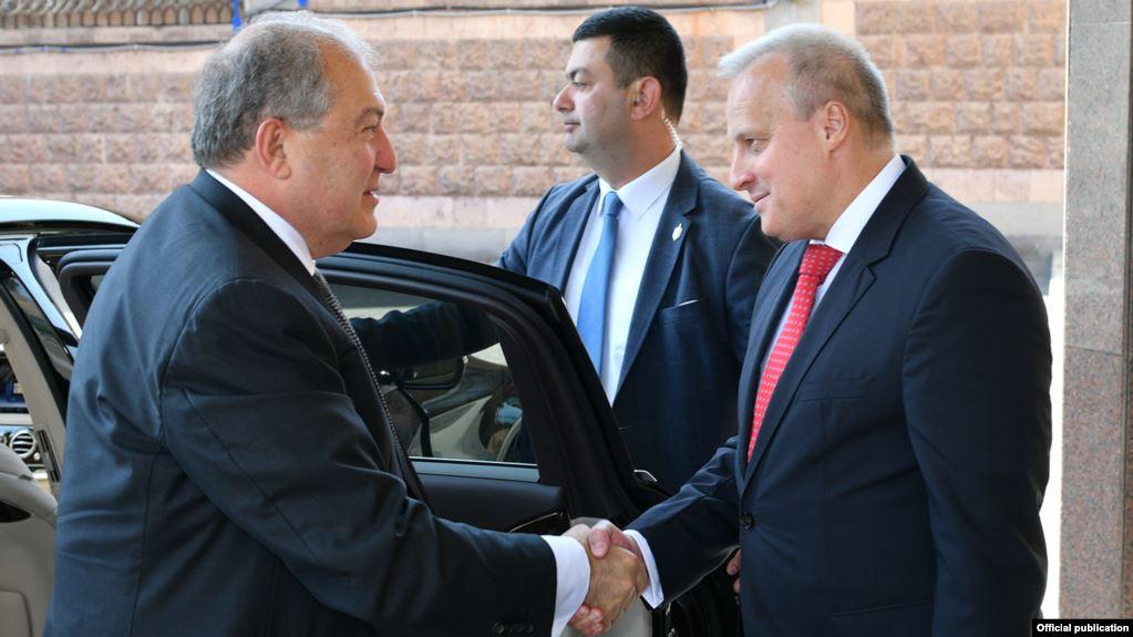 Президент Армении и посол России в Армении