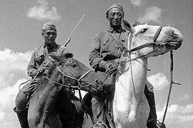 Монгольская конница на Халхин-Голе