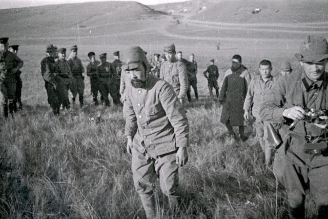 Пленные японские солдаты