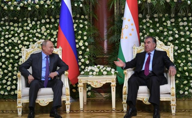 Владимир Путин прибыл в столицу Таджикистана на саммит СВМДА