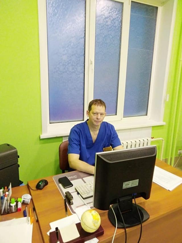 Рабочий кабинет хирурга Павла Шумихина