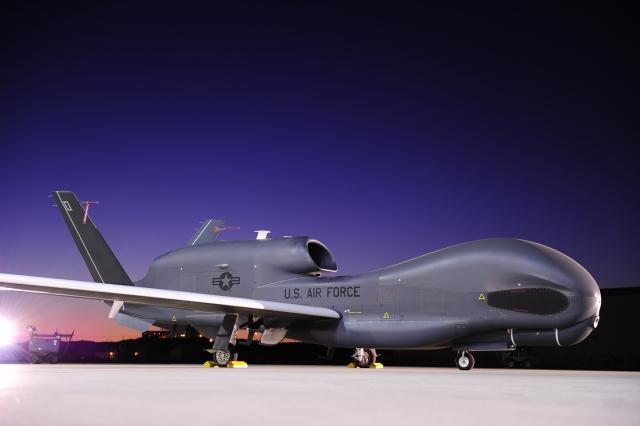 Иран уничтожил американский Global Hawk — дальше переговоры или война?
