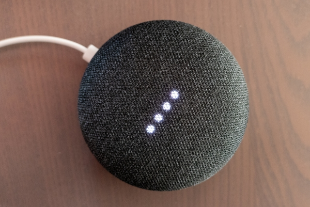 Колонка Google Home Mini